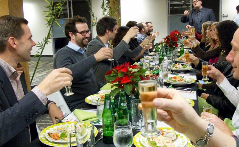 Domi e la cena coi colleghi de lavoro